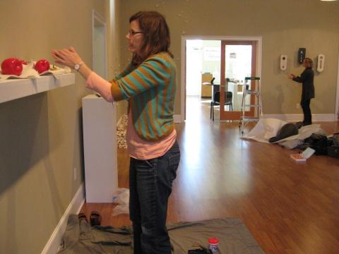 """Liz installing her piece, """"Satisfied""""  Her food looks way to good to eat!"""